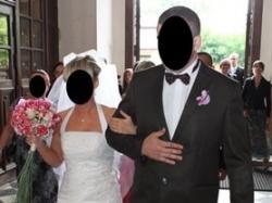 Biała elegancka suknia ślubna