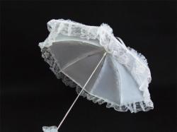 Biała parasolka ślubna