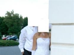 Biała piękna suknia + wiele dodatków gratis