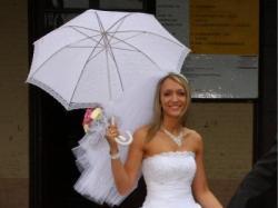 biała suknia slubna