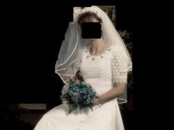 biała suknia ślubna jednoczęściowa
