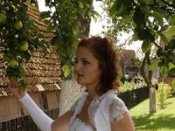 biała suknia ślubna rozm. 40, 350 zł