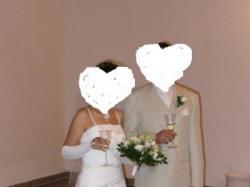 Biała suknia ze srebrnym haftem