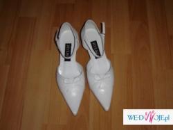 białe buciki do ślubu firmy RYŁKO rozmiar 38