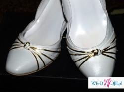 Białe buty RYŁKO