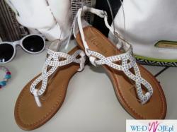 białe sandały japonki 37