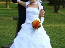 Bielusieńka suknia ślubna