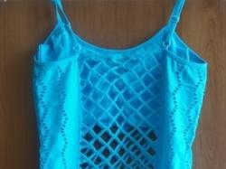 Bluzeczka turkusowa z dziurkami , idealna na lato, rozmiar uniwersalny