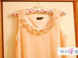 brzoskwiniowa plisowana sukienka ciążowa