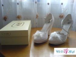 buty białe 37, obcas 9 cm