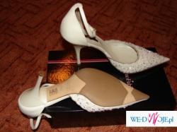 Buty ślubne z kryształakami Swarovskiego