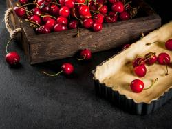 Ciasto francuskie z wiśniami