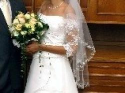 ciekawa suknia ślubna z salonu cymbeline
