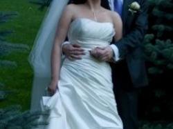 Cudowna satynowa suknia White One 3054