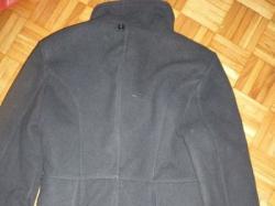 Czarny płaszcz r. M rozkloszowany guziki noszony jeden sezon! OKAZJA!