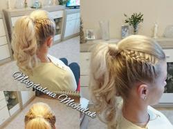 Czesanie, stylizacja i upinanie włosów Topfryzura