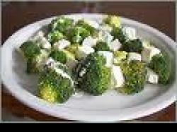 Czy wiesz jak zrobić brokuły z fetą i rukolą?