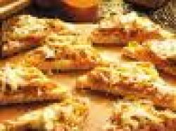 Czy wiesz jak zrobić grzanki z cebulą i anchois?