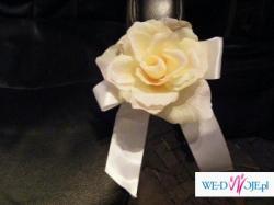 Dekoracja na samochód z roż w kolorze Ecru