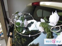 Dekoracja na ślubny samochód