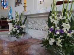 Dekoracje ślubne - kościołów, sal weselnych, samochodów itp.