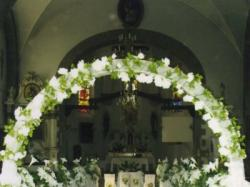 Dekoracje ślubne sal, kościołów i samochodów