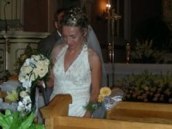 Delikatna haftowana suknia ślubna