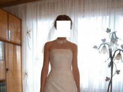 Delikatna suknia Serena