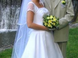 Delikatna suknia ślubna dla Ciebie