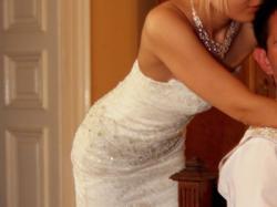 Delikatna suknia z francuskiej koronki - dla szczupłej dziewczyny