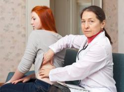 Dlaczego choroby nerek i wątroby osłabiają kości?
