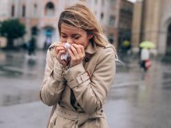 Domowe sposoby na 4 objawy przeziębienia