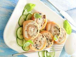 Drobiowe roladki z serem pleśniowym