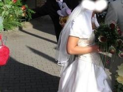 Efektowna sukia ślubna