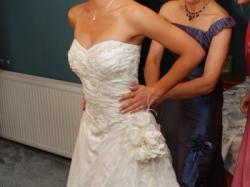 Efektowna suknia ślubna, z sesji ślubnej dla restauracji Wierzynek
