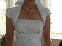 Ekskluzywna suknia ślubna bogato zdobiona