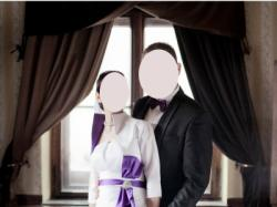 Elegancka biała suknia ślubna z fioletowymi dodatkami