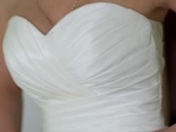 "Elegancka i oryginaln suknia z ""zakładkami"""