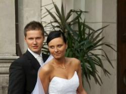 Elegancka i subtelna suknia ślubna biała rozm. 38