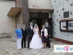 Elegancka i wytworna suknia ślubna