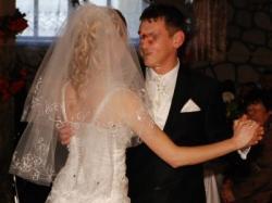 Elegancka koronkowa suknia ślubna!