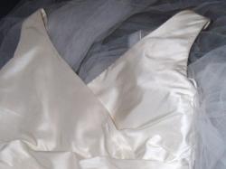 Elegancka, oryginalna suknia ślubna z kolekcji Linea Raffaelli