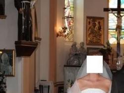 Elegancka, romantyczna suknia ślubna bez efektu 'bezy'-polecam!