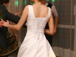 Elegancka suknia ślubna, 390zł