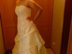 Elegancka suknia ślubna w kolorze ecru -Stan bardzo dobry