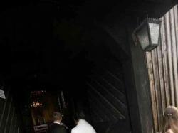 Elegancka suknia ślubna  z długim trenem roz. 38-42