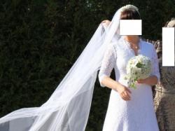 ELEGANCKa suknia slubna z HISZAŃSKIEJ koronki z DŁUGIM welonem