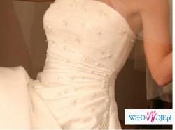 Elegancka suknia ślubna z kolekcji La Sposa