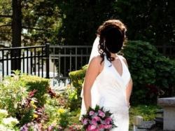Elegancka suknia ślubna z USA z kolekcji David's Bridal.