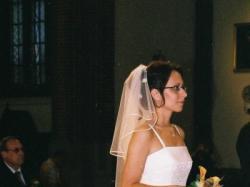 Elegancka suknia żakardowa z delikanym haftem, ecru (model VICTORIA) - roz. 38